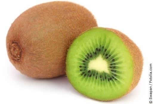 Kiwi mit weißem Hintergrund
